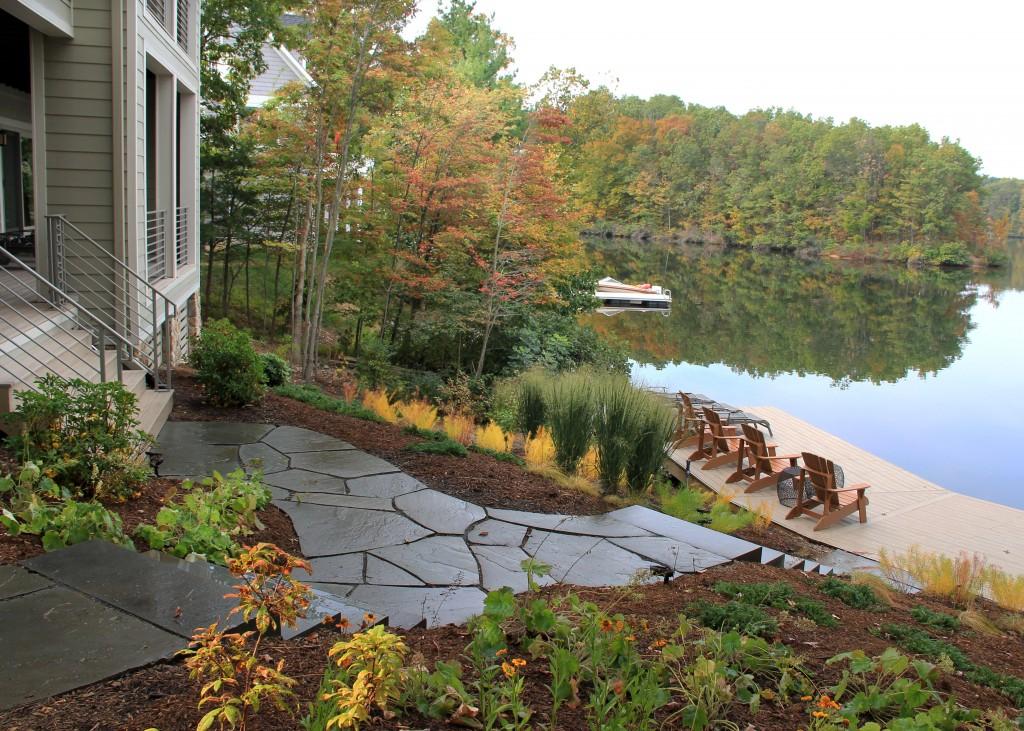 Lakeside Garden Image